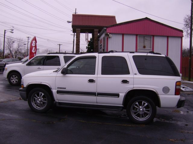 2001 chevy tahoe for sale used cars in nashville pre owned vehicles low down payments. Black Bedroom Furniture Sets. Home Design Ideas