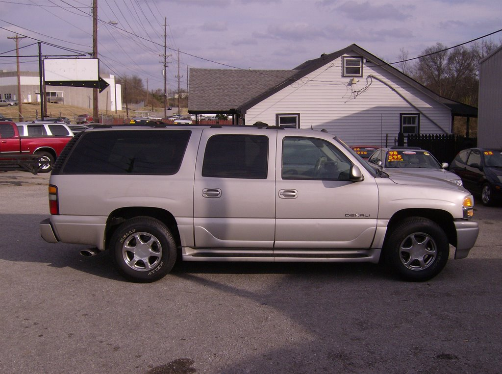2004 gmc yukon xl used cars in nashville pre owned vehicles low down payments. Black Bedroom Furniture Sets. Home Design Ideas