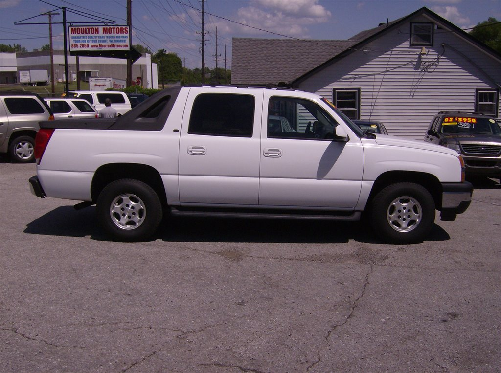 2006 chevrolet avalanche used cars in nashville pre owned vehicles low down payments. Black Bedroom Furniture Sets. Home Design Ideas
