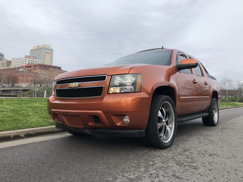 2007chevrolet avalanche used cars in nashville pre owned vehicles low down payments. Black Bedroom Furniture Sets. Home Design Ideas