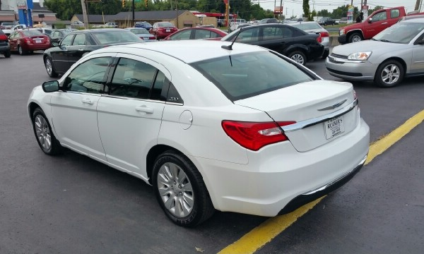 Chrysler 200 Under $5000 Down