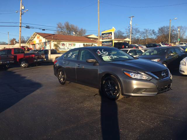 2016 nissan altima used cars in nashville pre owned vehicles low down payments. Black Bedroom Furniture Sets. Home Design Ideas